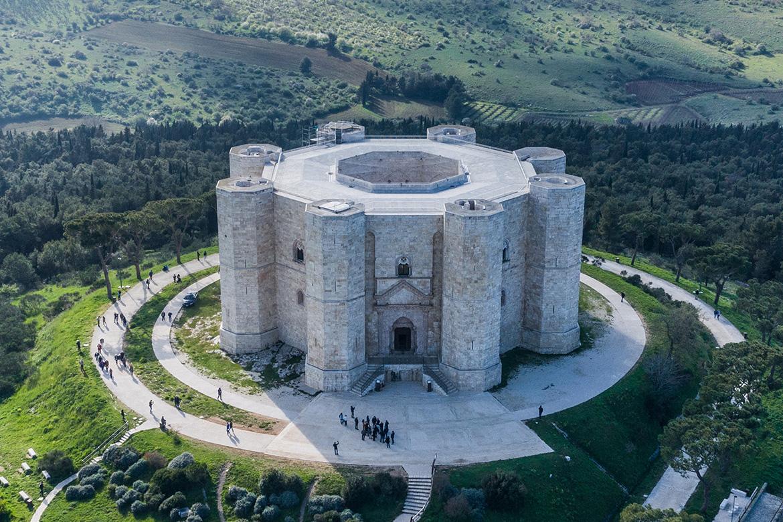 Castel del Monte patrimonio dell'umanità e terra dei migliori vini in Puglia